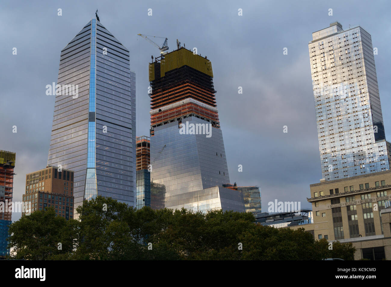 10 Hudson Yards, left, and other Hudson Yards development in New York on Saturday, September 30, 2017. (© Richard Stock Photo