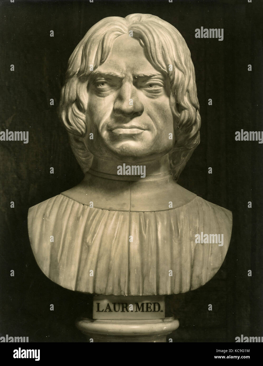 Bust of Lorenzo de' Medici, marble sculpture by Ottaviano Giovannozzi Stock Photo