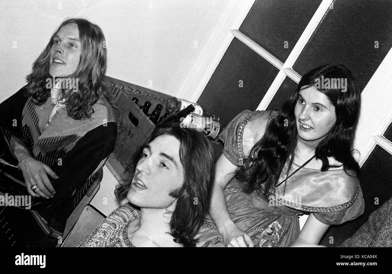 The Incredible String Band:  Founding members Robin Williamson (left) and Mike Heron backstage with fellow band - Stock Image