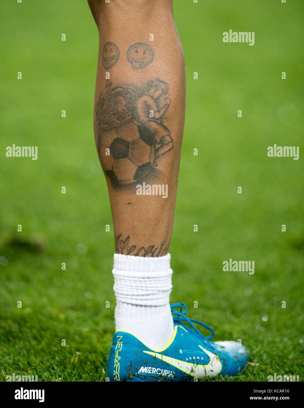 Fuss Tattoo Stock Photos Fuss Tattoo Stock Images Alamy