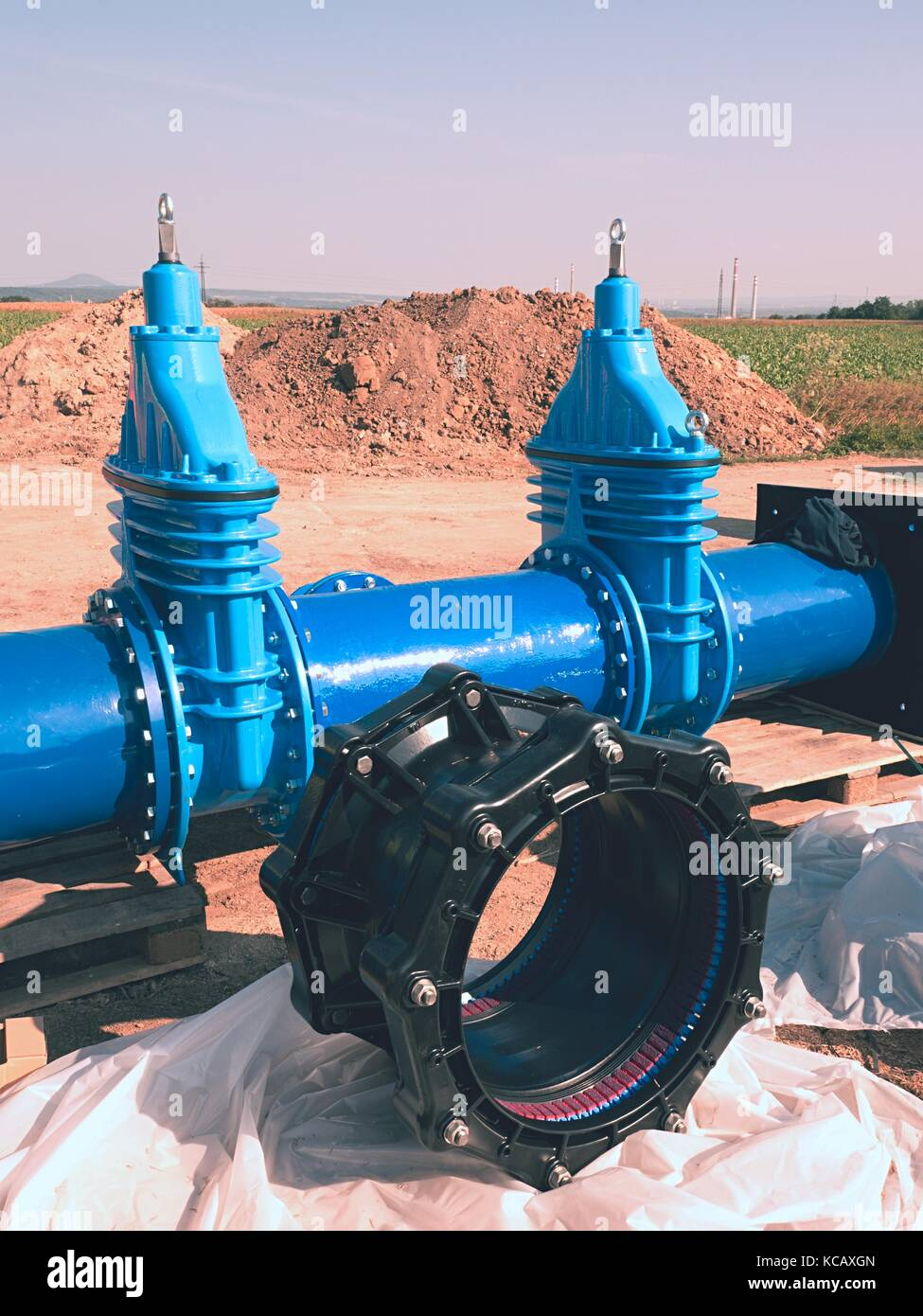 500mm new black waga multi joint members. Repairing process to connect drink water supply. New spare parts for repairing - Stock Image