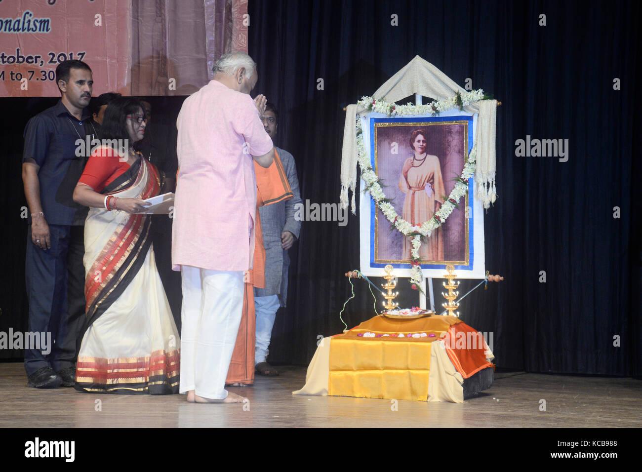 Kolkata, India. 03rd Oct, 2017. Mohan Rao Bhagwat pays tribute to Sister Nivedita in Kolkata.Sarasanghachalak or - Stock Image