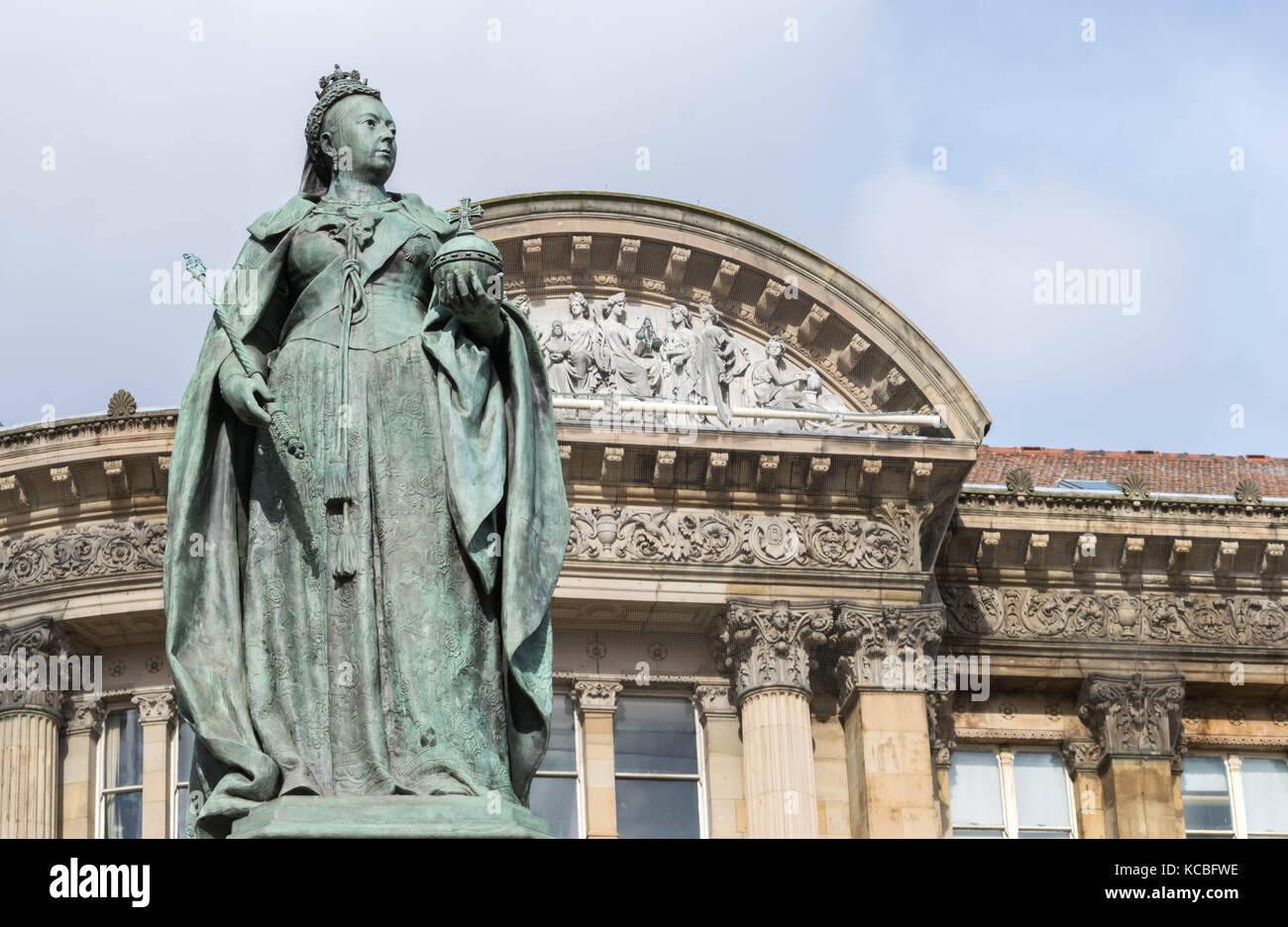 Birmingham, UK, October 3rd, 2017 : Statue of Queen Victoria in Birmingham,UK, Birmingham city council in the background Stock Photo