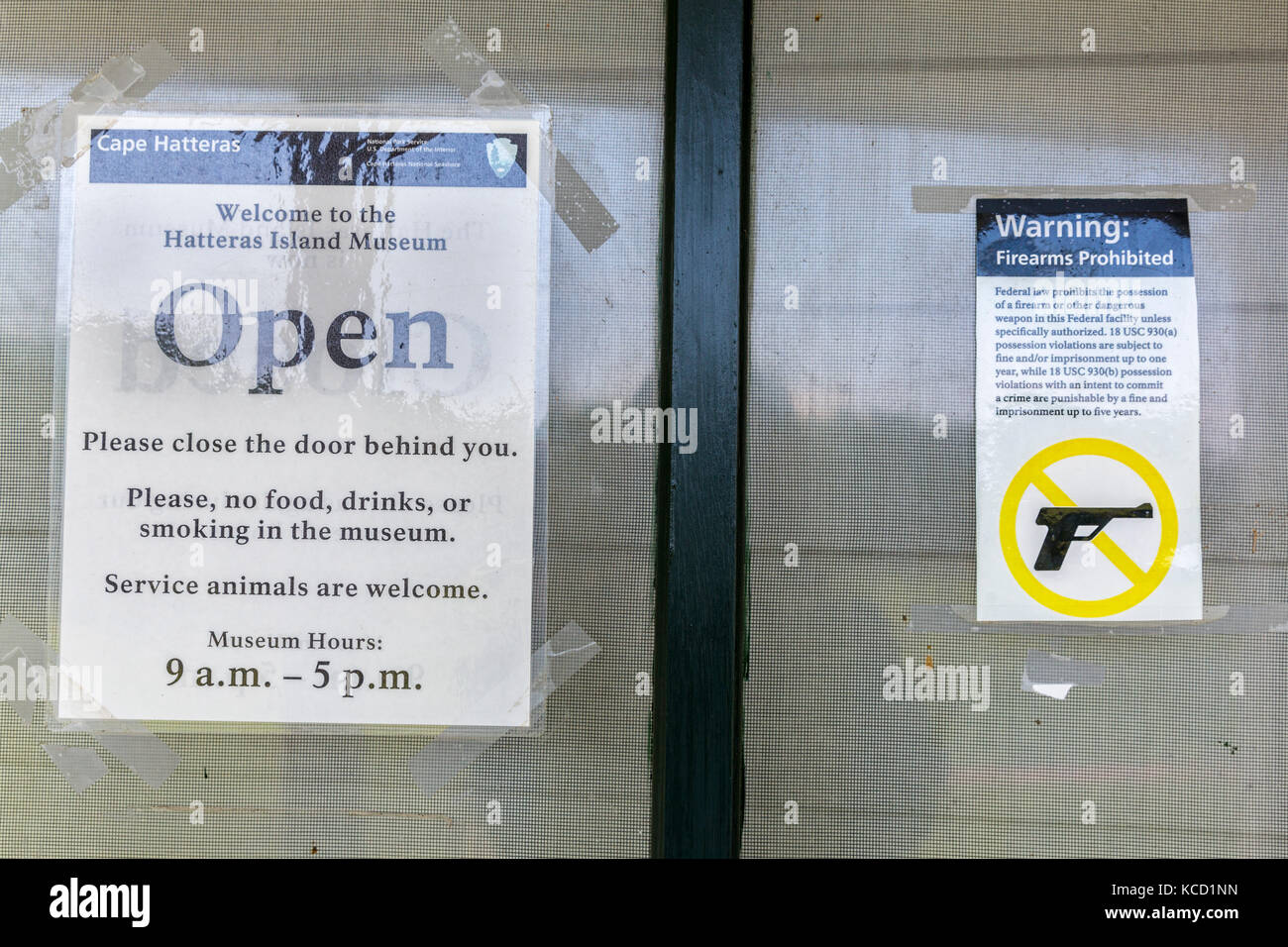 Cape Hatteras, Outer Banks, North Carolina, USA.  No Firearms Permitted inside the Cape Hatteras Museum. - Stock Image