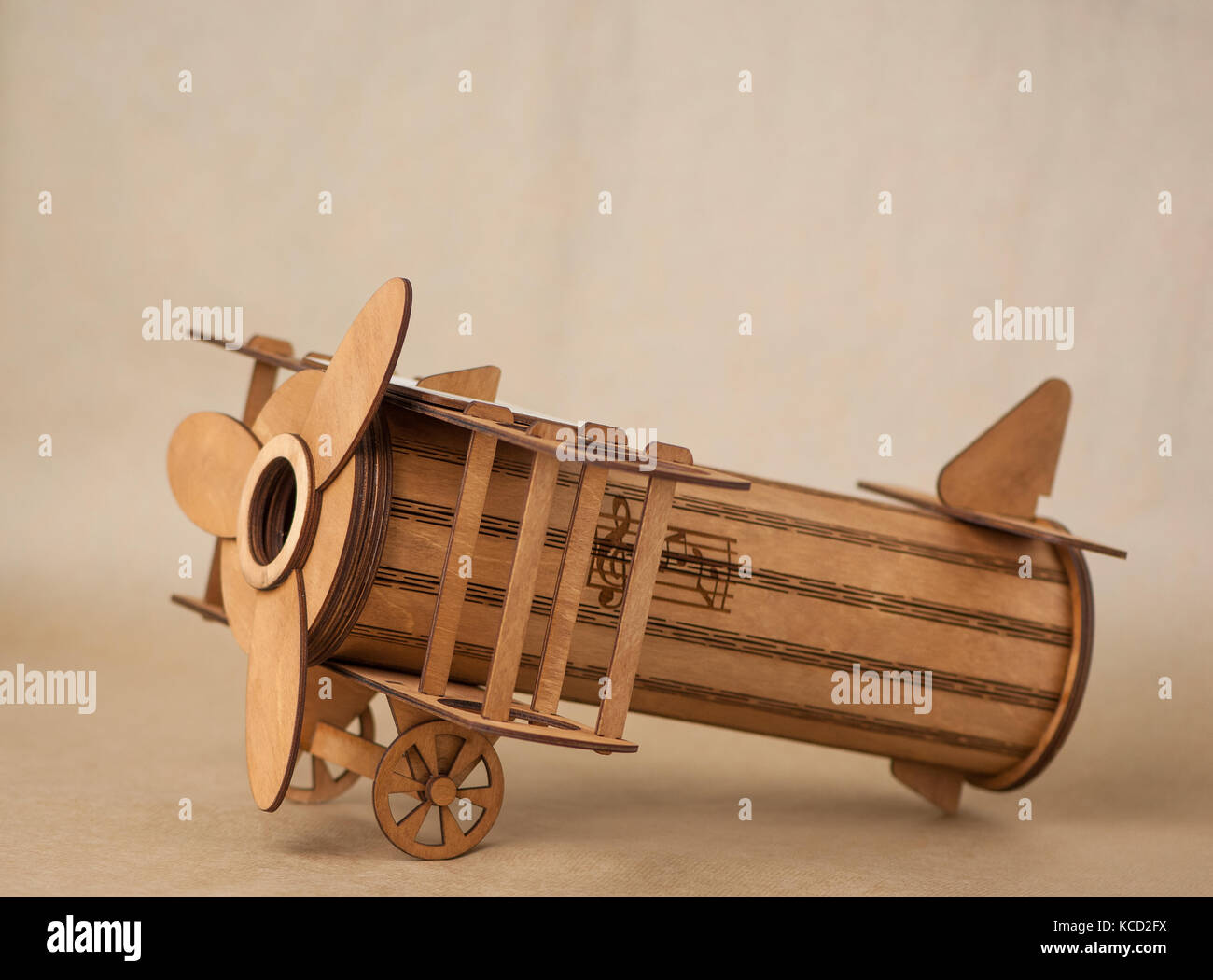 Vintage Toy Plane Stock Photos & Vintage Toy Plane Stock Images - Alamy