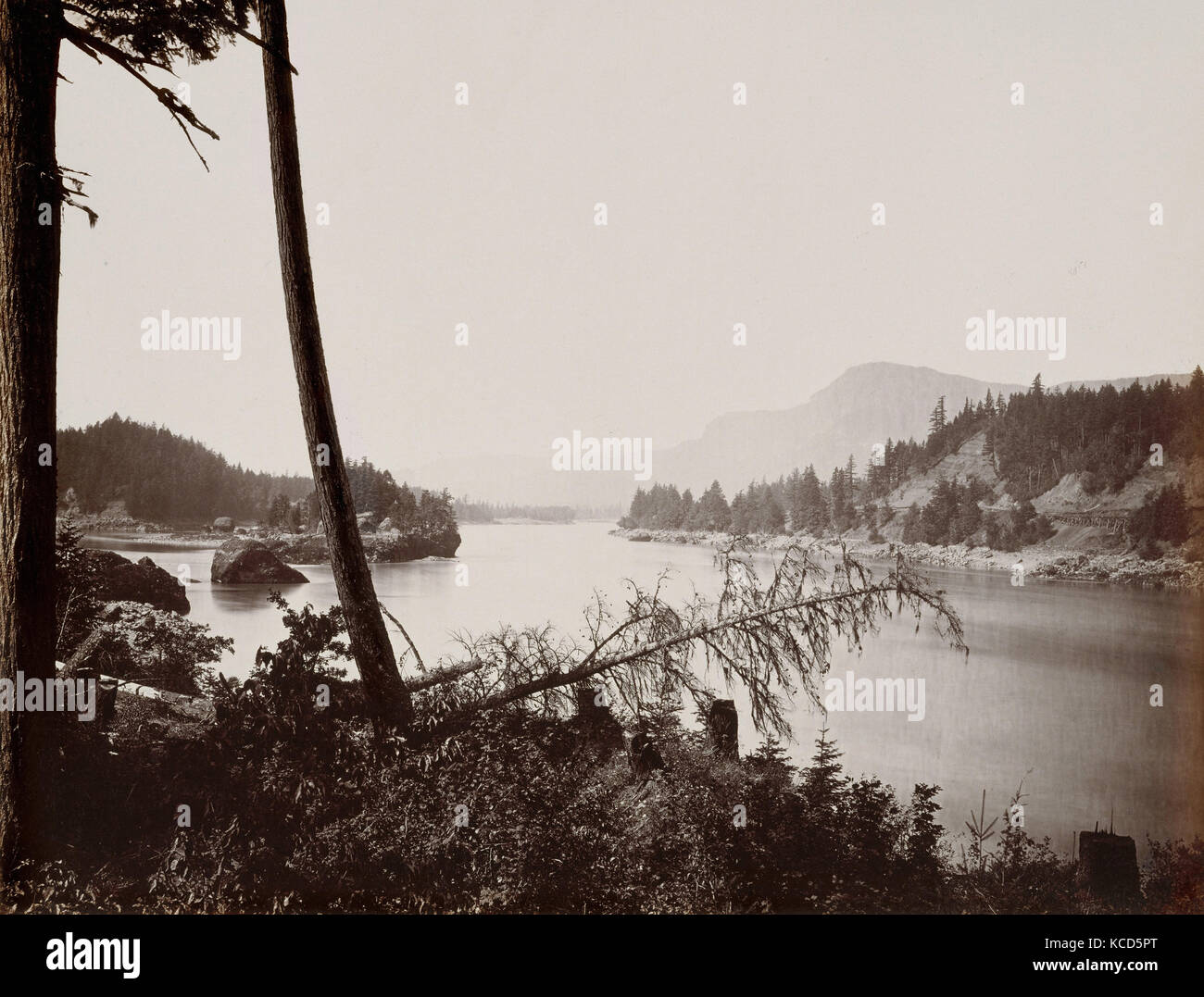 View on the Columbia, Cascades, Carleton E. Watkins, 1867 - Stock Image