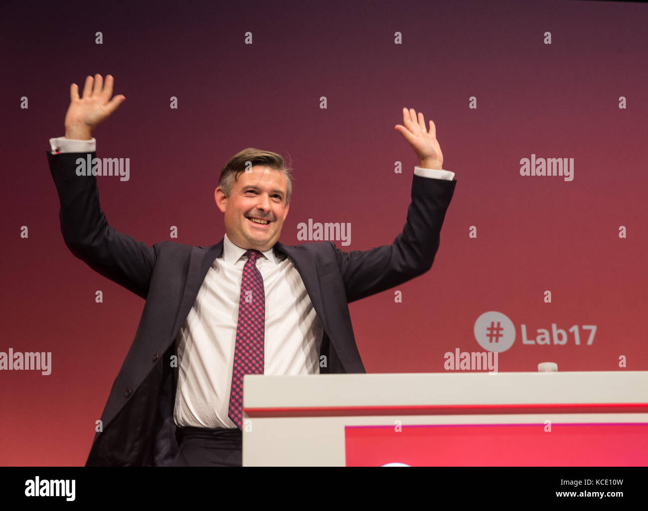Jon Ashworth, Shadow Secretary of State for Health, waves after he receives a standing ovation for his speech at - Stock Image