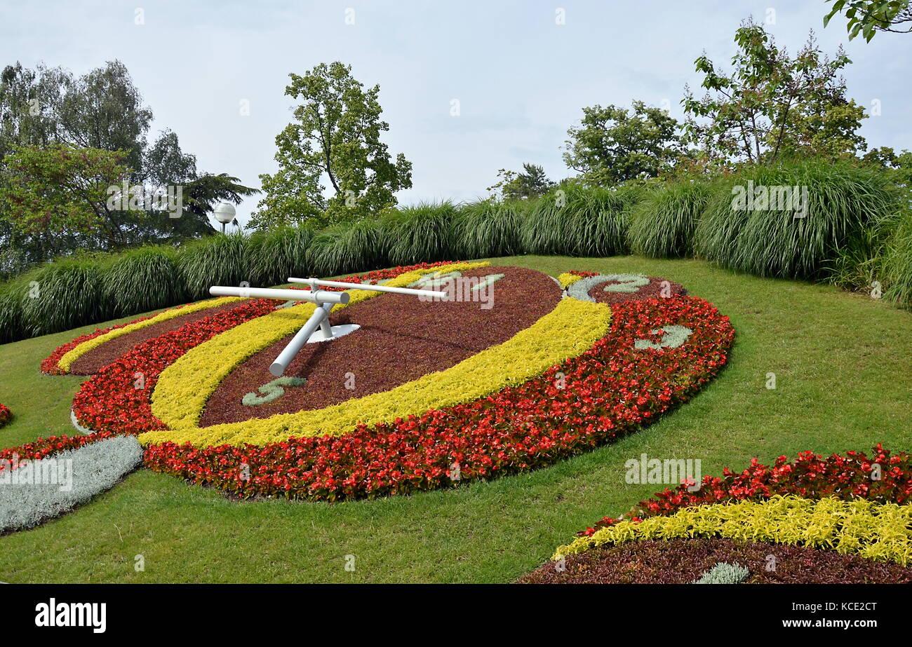Jardin Anglais A Flower Clock In Geneva Switzerland Stock Photo