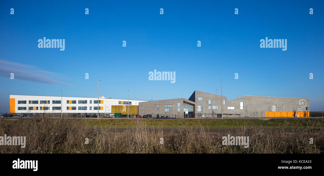 Walton High Academy, a new secondary school for Milton Keynes Council. The new three storey building at Brooklands - Stock Image
