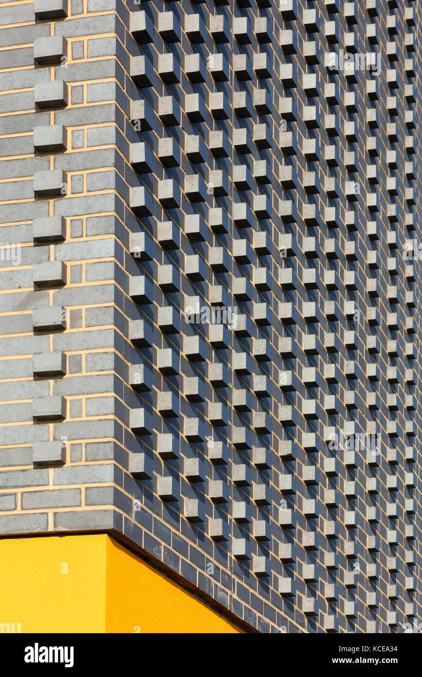 Grey brick textured corner. Walton High Academy, a new secondary school for Milton Keynes Council. - Stock Image