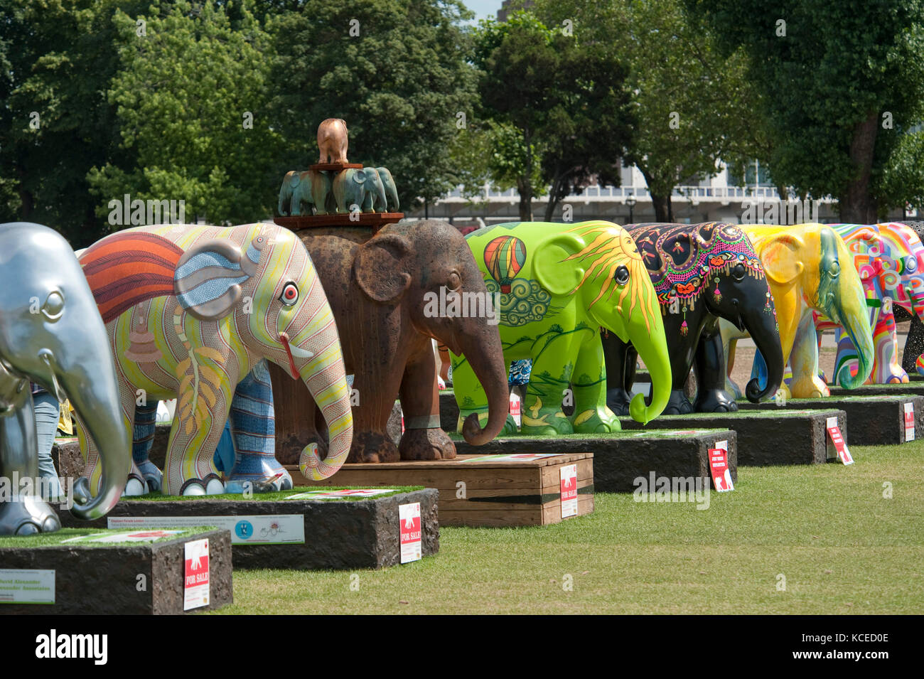 Royal Hospital, Chelsea, London. The Elephant Parade was an open air art exhibition of decorated elephant statues. - Stock Image