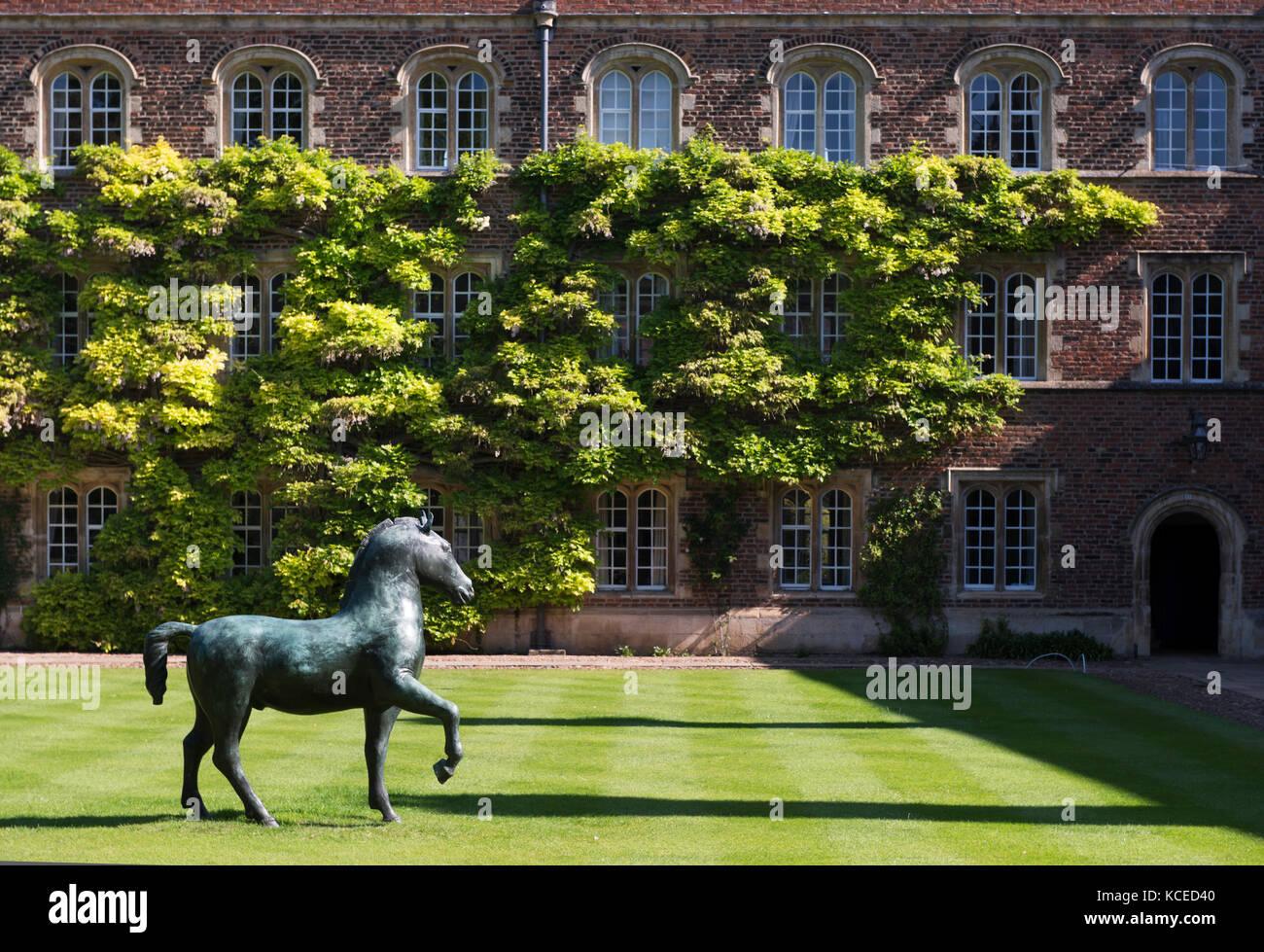 Jesus College, Jesus Lane, Cambridge, Cambridgeshire. First Court, Bronze Horse, 1983, by Barry Flanagan. Photographed - Stock Image