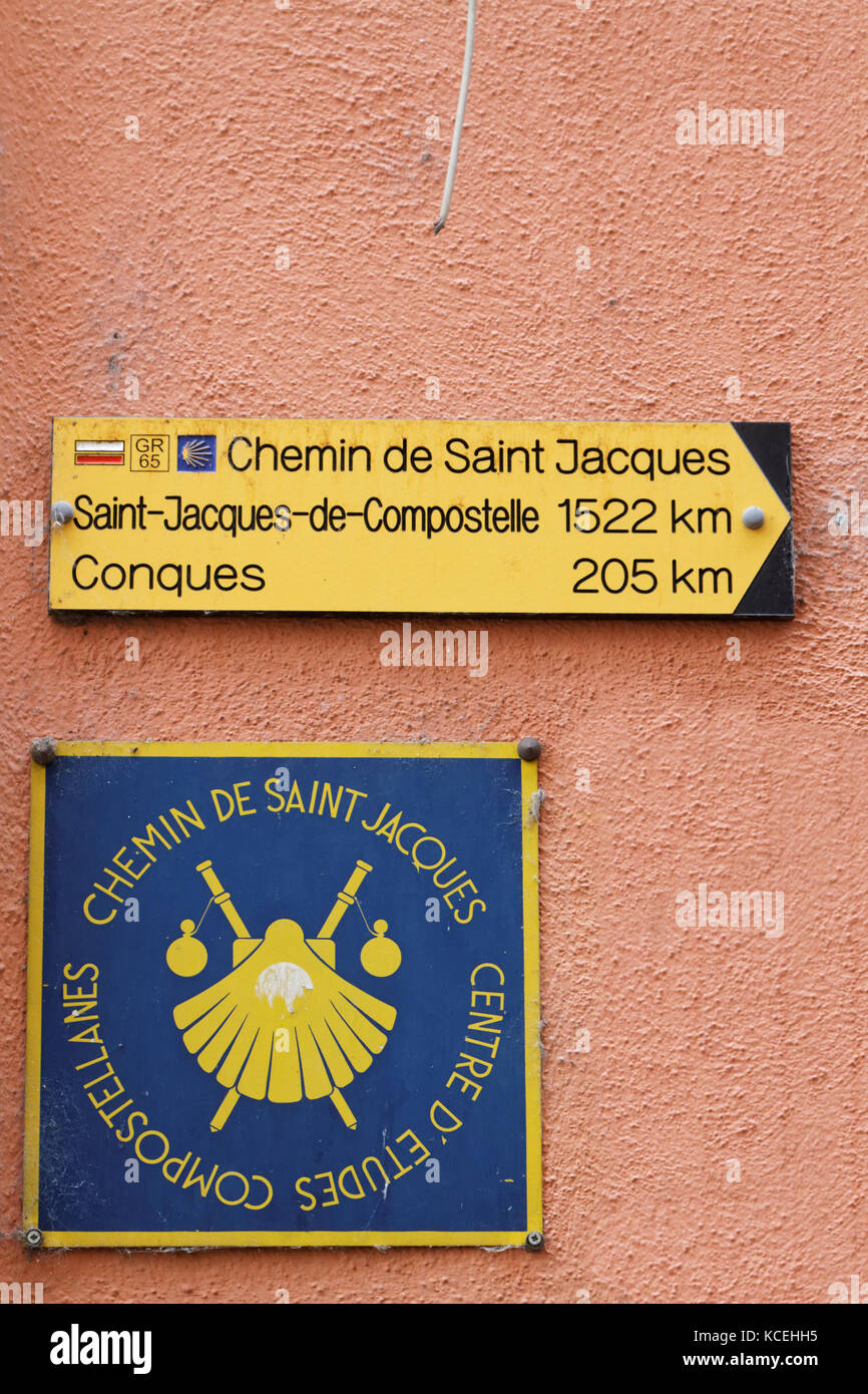 LE PUY, FRANCE, June 16, 2015 : Via Podiensis is one of the four routes through France on the pilgrimage to the - Stock Image