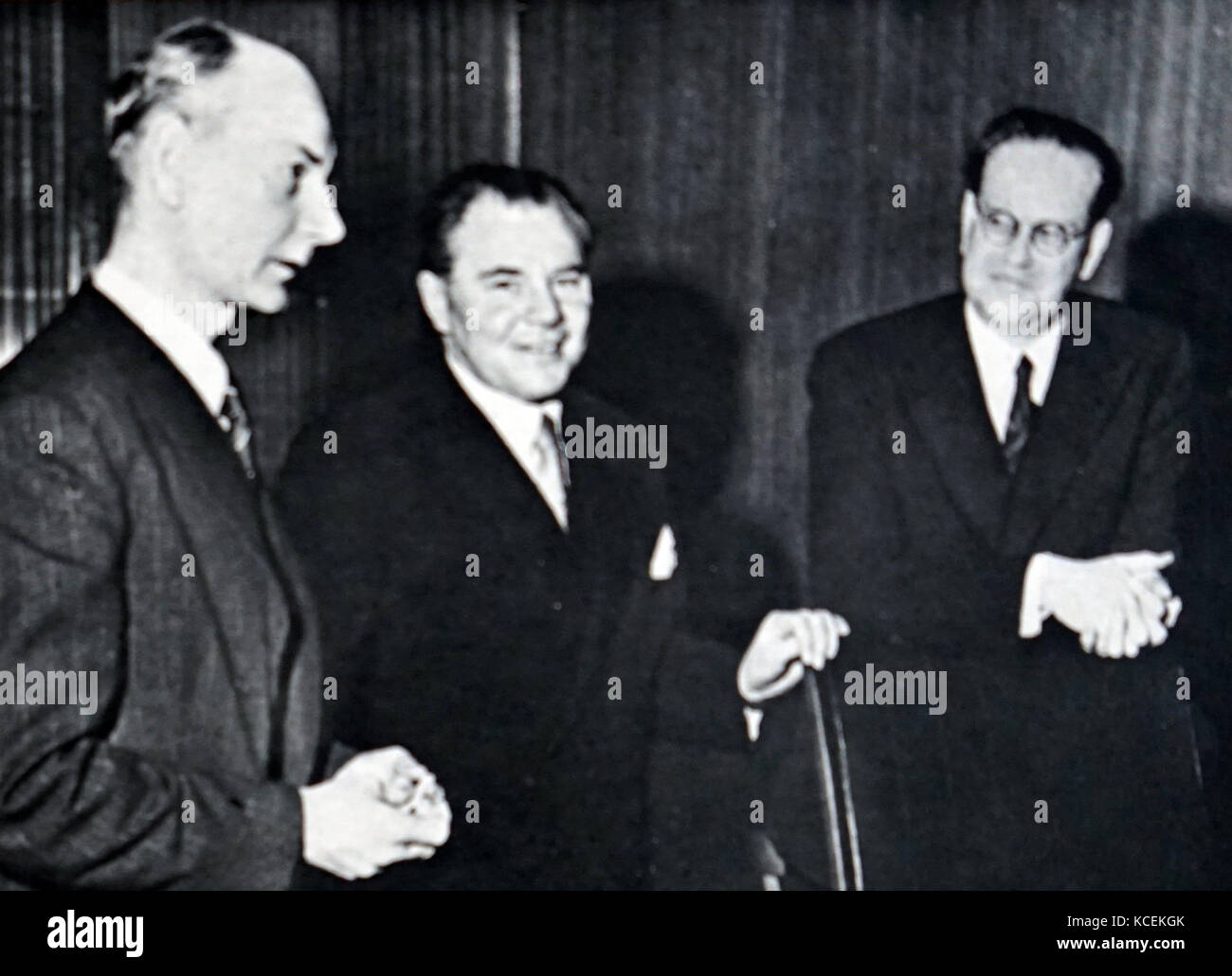 Photograph of Scandinavian Premiers meeting in Stockholm. Left to Right: Einar Gerhardsen (1897-1987) Prime Minister - Stock Image