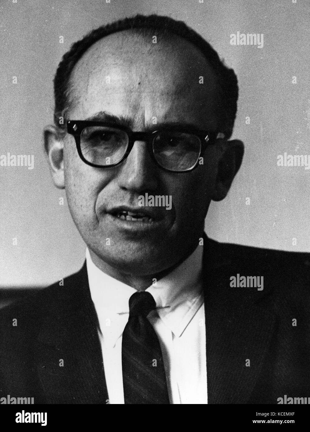 Jonas Edward Salk (1914 – 1995) American medical researcher and virologist. He discovered and developed one of the - Stock Image