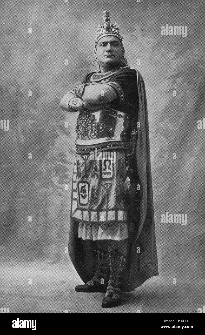 Photograph of Enrico Caruso (1873-1921) an Italian operatic tenor. Dated 20th Century Stock Photo