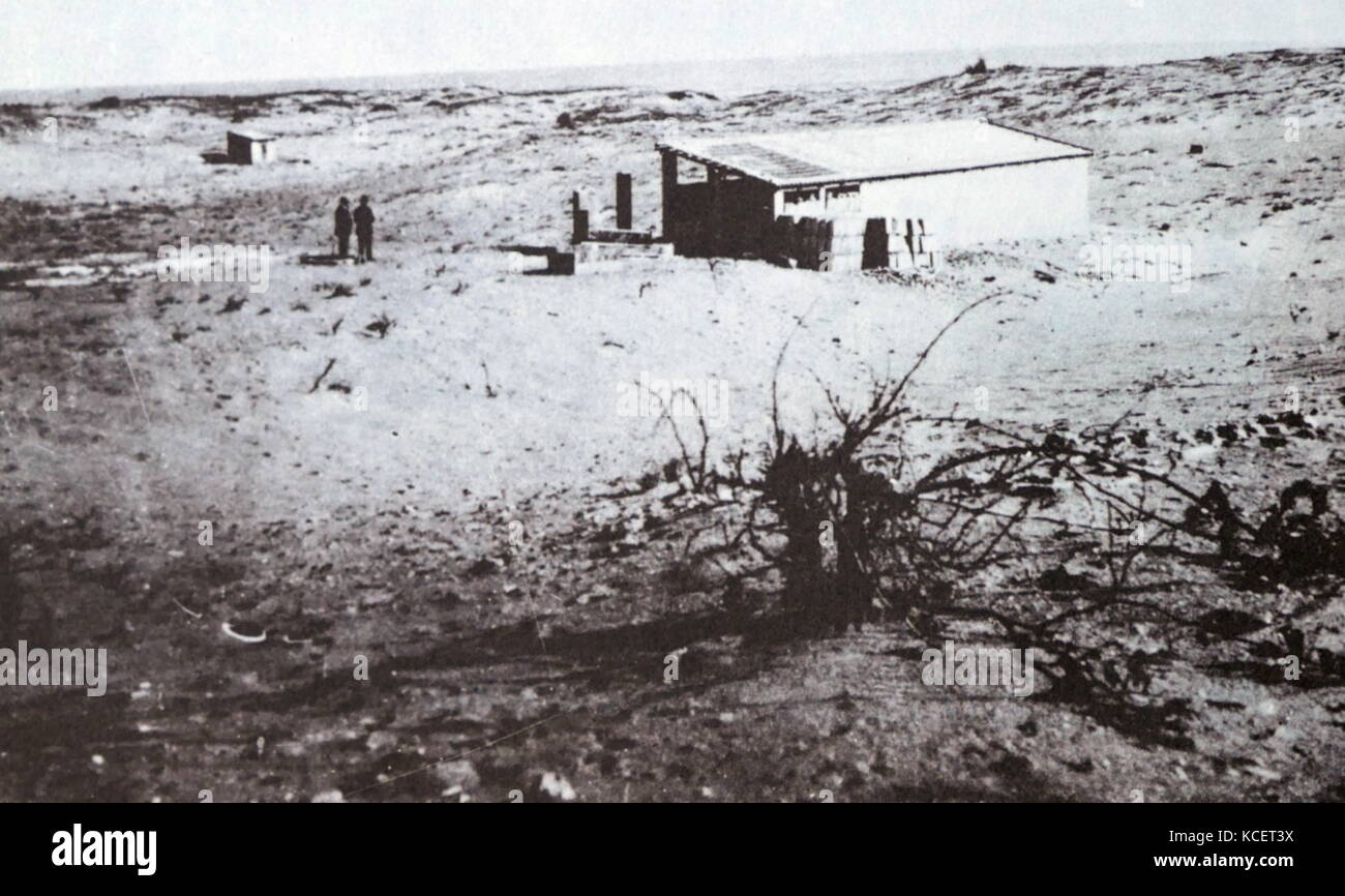 Hut in the Dizzengoff street area of Tel Aviv when the city was founded in Palestine in 1909 Stock Photo