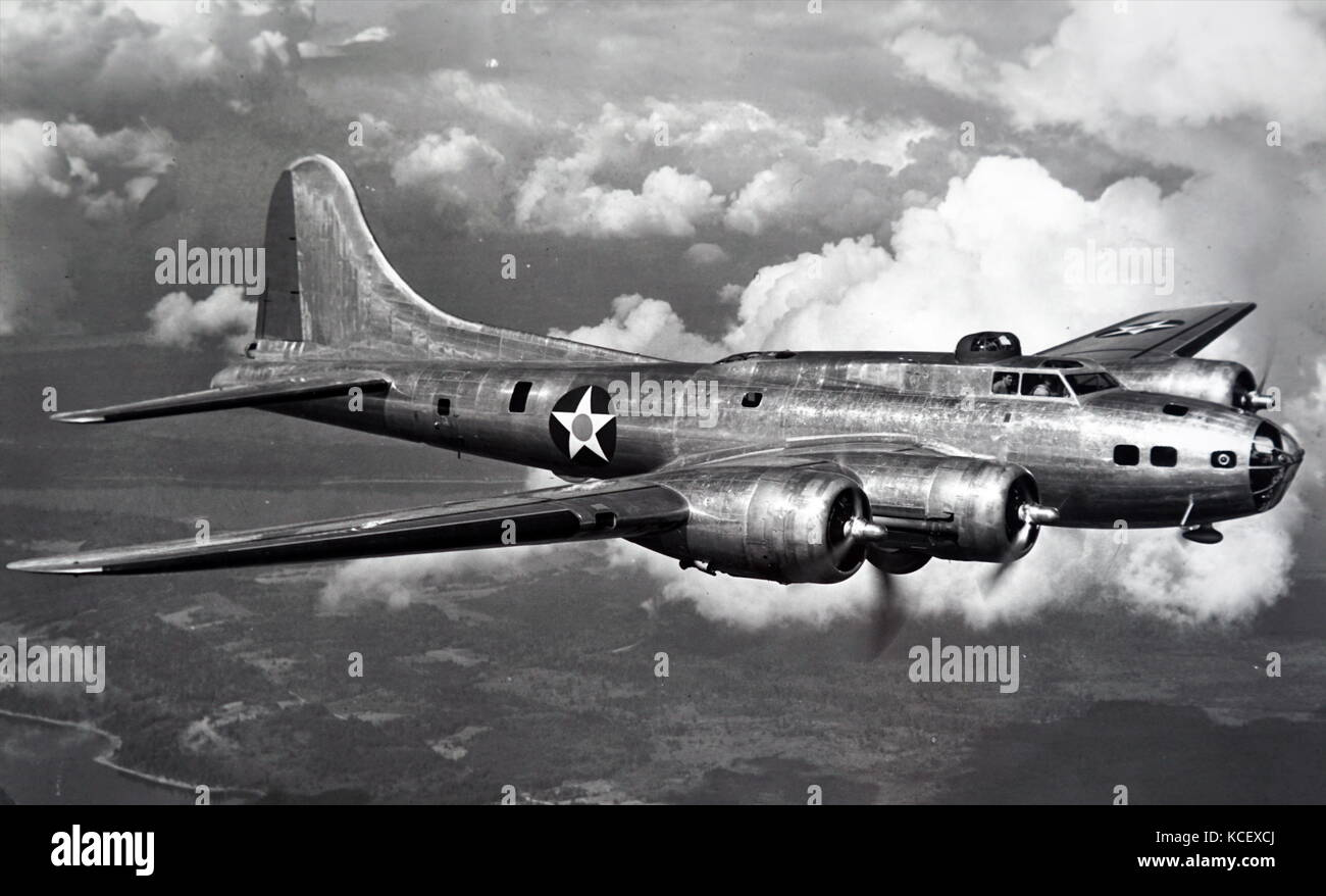 Photograph of a Boeing B-17 Flying Fortress used by the United States Air Force during the Second World War. Dated Stock Photo