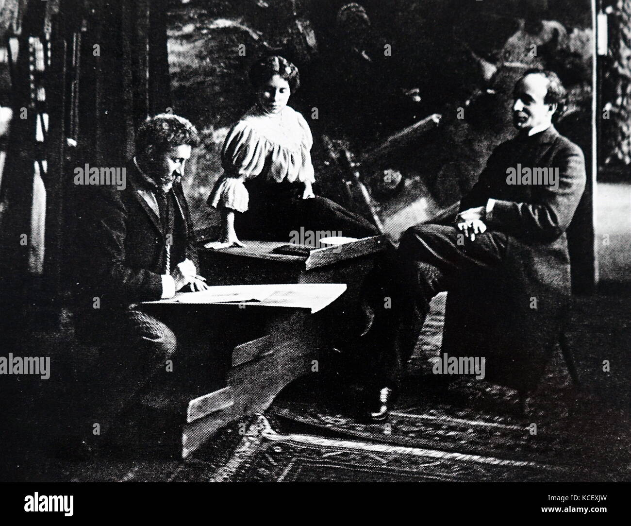 Photograph of Russian artists Ilya Repin (1844-1930) and Marize-Krasnokutskaya with Russian-American actor Gregory - Stock Image