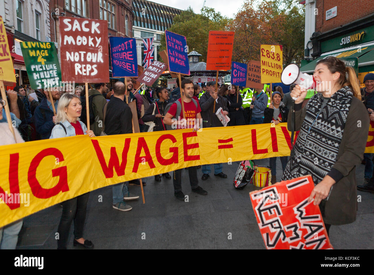 London, UK. 4th Oct, 2017. Striking Cineworld workers hold 'Living Wage' protest at BFI London Film Festival, - Stock Image