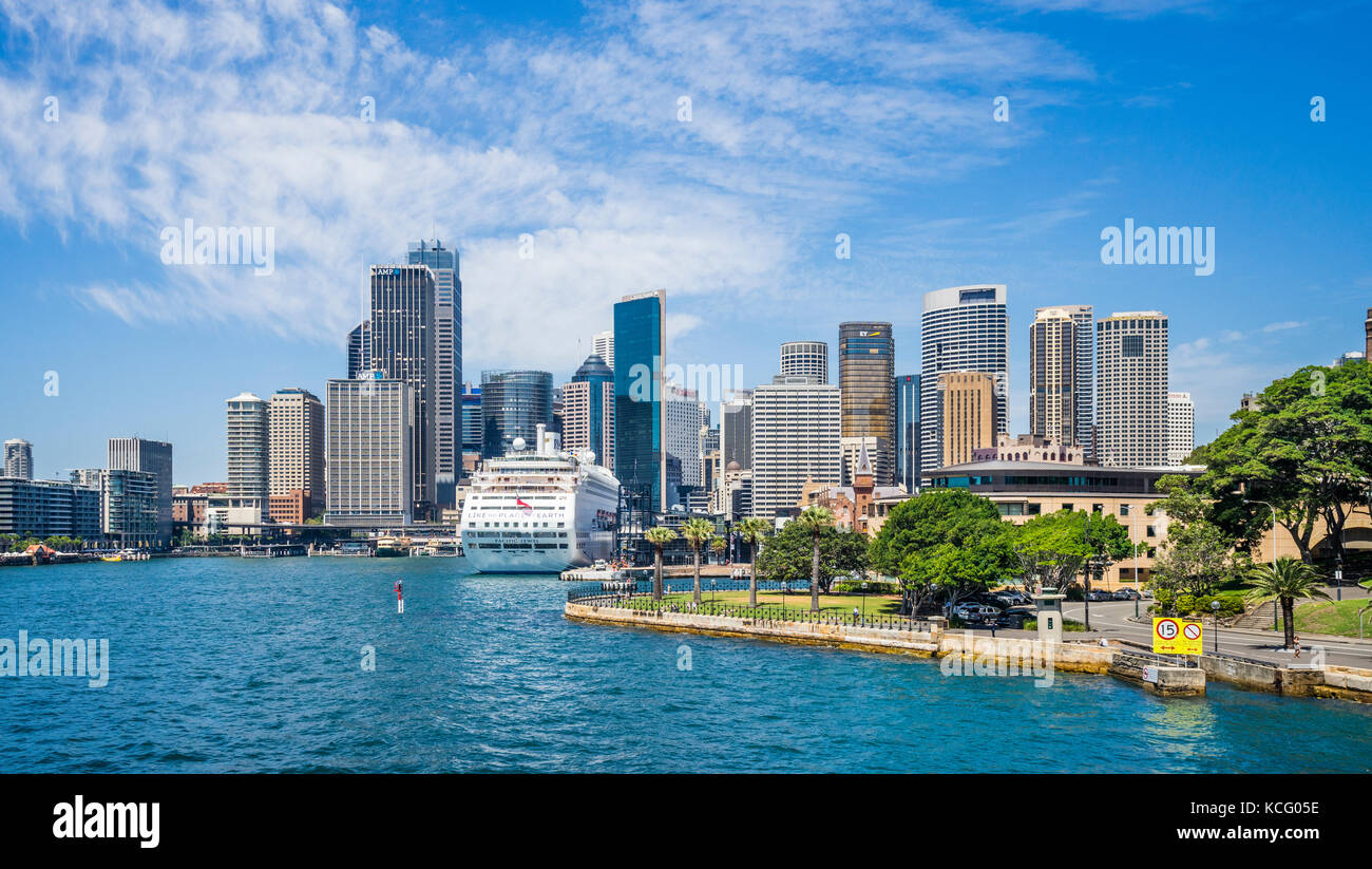 Australia, New South Wales, Sydney Harbour, Hickson Road Reserve against the backdrop of Sydney Cove with Circular - Stock Image