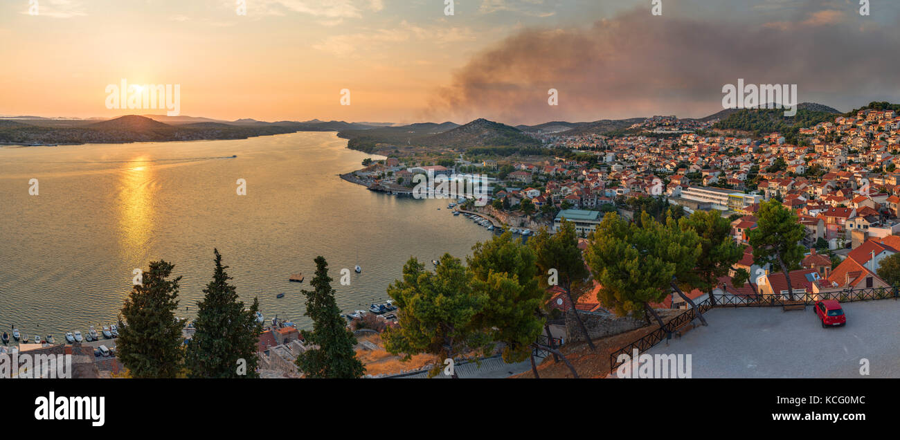 Beautiful sunset view onto Sibenik from the St. Micheal's Fortress - Stock Image