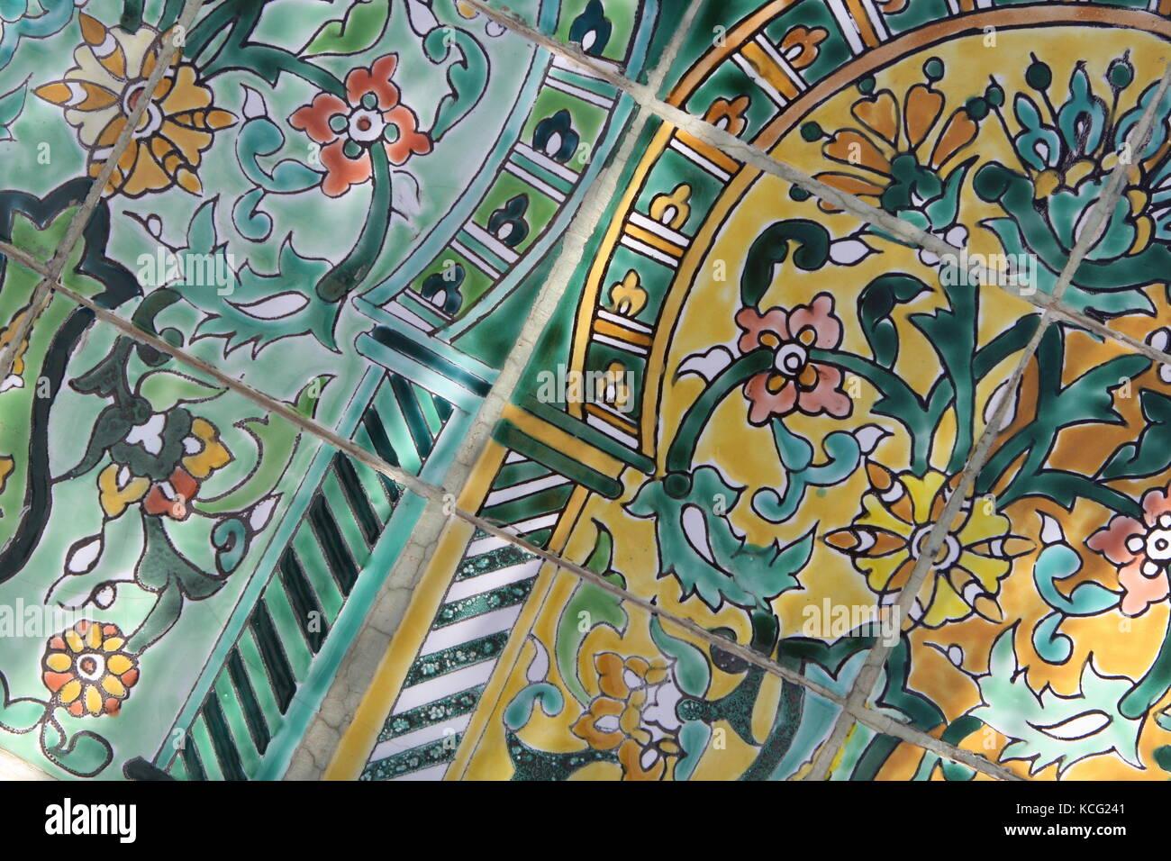Kacheln Mosaik bunt in Marokko - Mosaic colorful tiles in Morocco - Stock Image