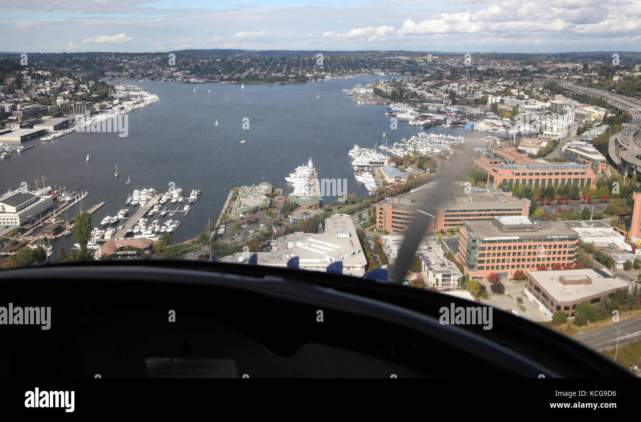 coming into land on Lake Union in Seattle in a seaplane, USA - Stock Image