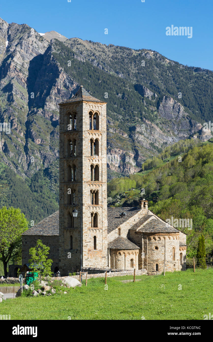 Taüll, Lleida Province, Catalonia, Spain.  Romanesque church of Sant Clement, consecrated in 1123.  The Catalan - Stock Image