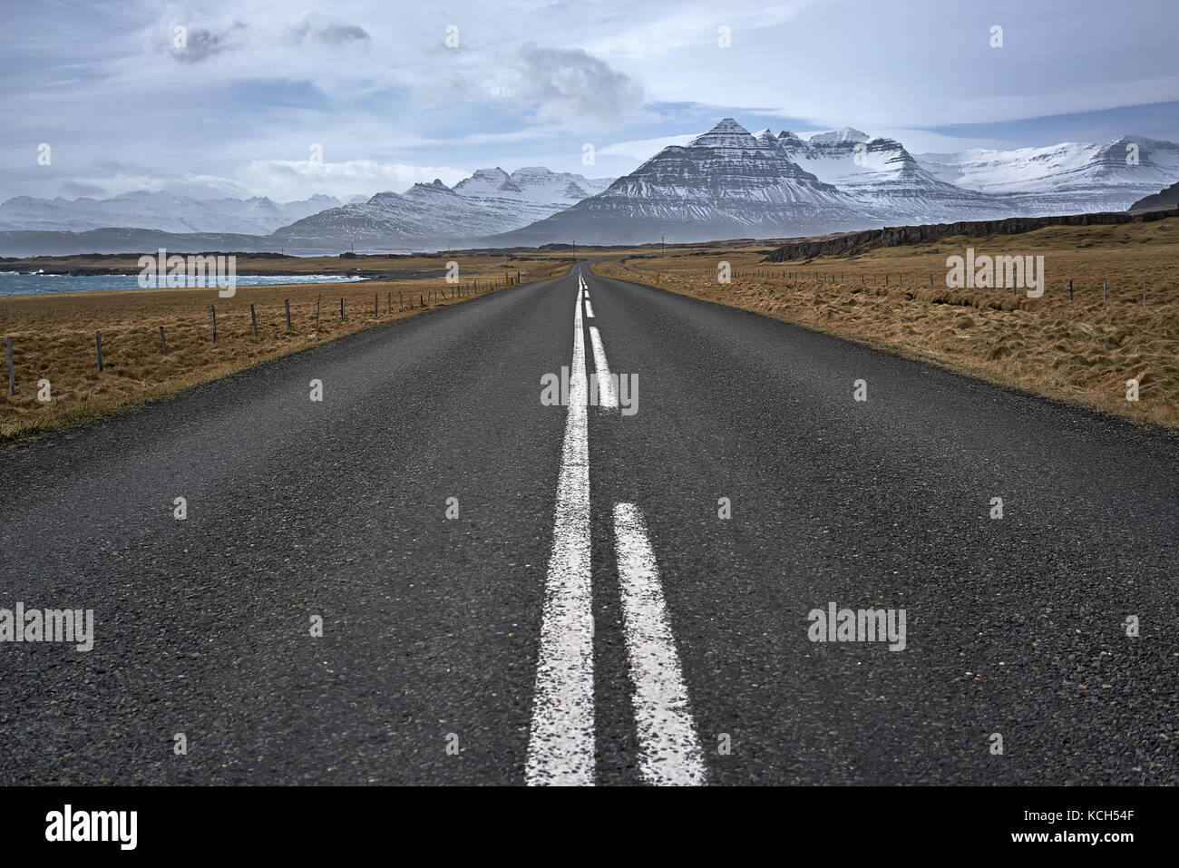 Suburban roadway in Iceland - Stock Image