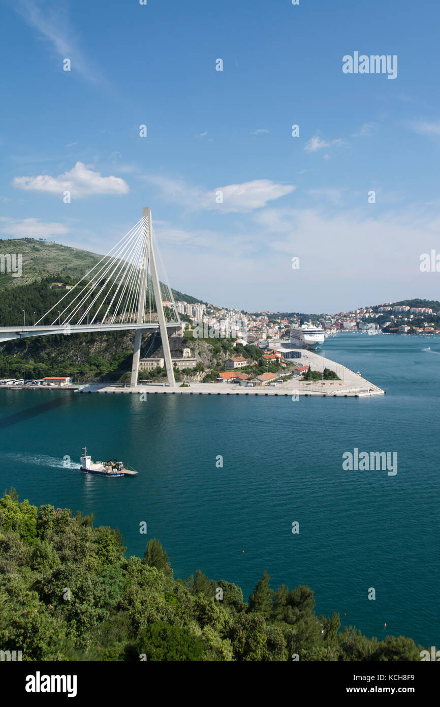 Franjo Tuđman Bridge, a cable-stayed bridge carrying the D8 state road at the western approach to Dubrovnik, Croatia - Stock Image