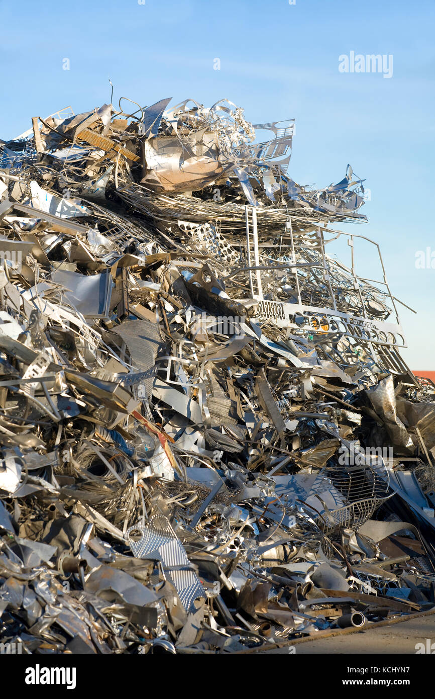 Germany, Ruhr Area, Dortmund, the harbor at the Dortmund-Ems-Canal, scrap yard with old metal.  Deutschland, Ruhrgebiet, - Stock Image