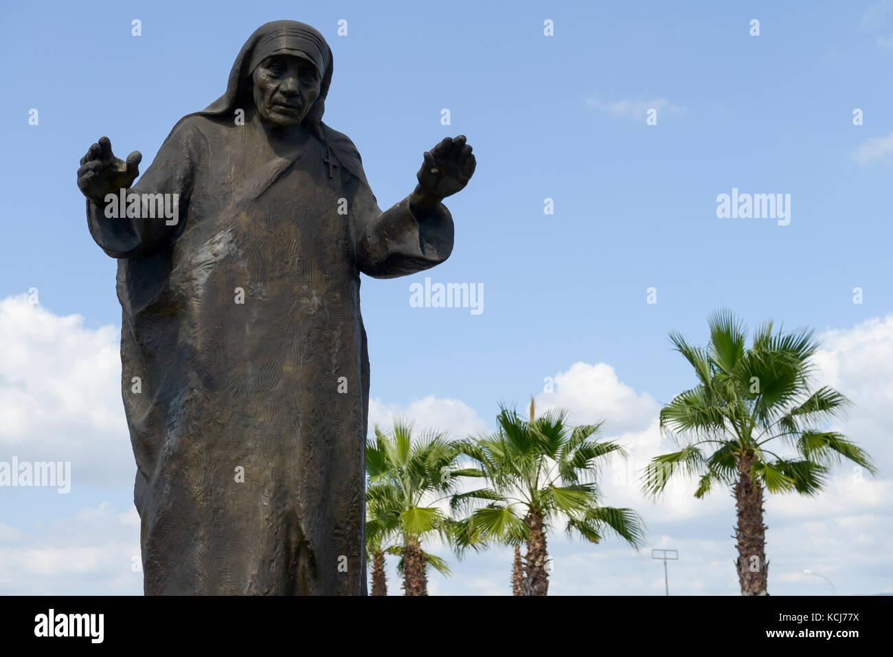 ALBANIA, Tirana , Mother Teresa memorial at airport, she was born as Anjezë Gonxha Bojaxhiu on 26. August 1910 - Stock Image