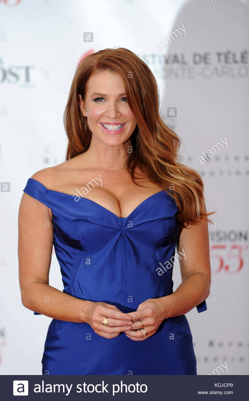 Poppy Montgomery Nude Photos 76
