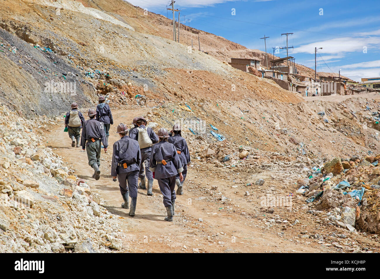 Tourists with guide visiting silver mine on the Cerro Rico de Potosi, Tomás Frías, Bolivia - Stock Image