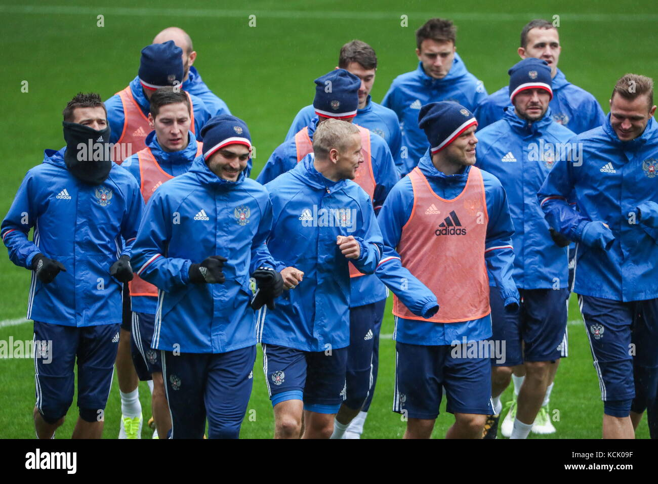 MOSCOW, RUSSIA - OCTOBER 6, 2017: Members of the Russian men's national football team during a training session - Stock Image