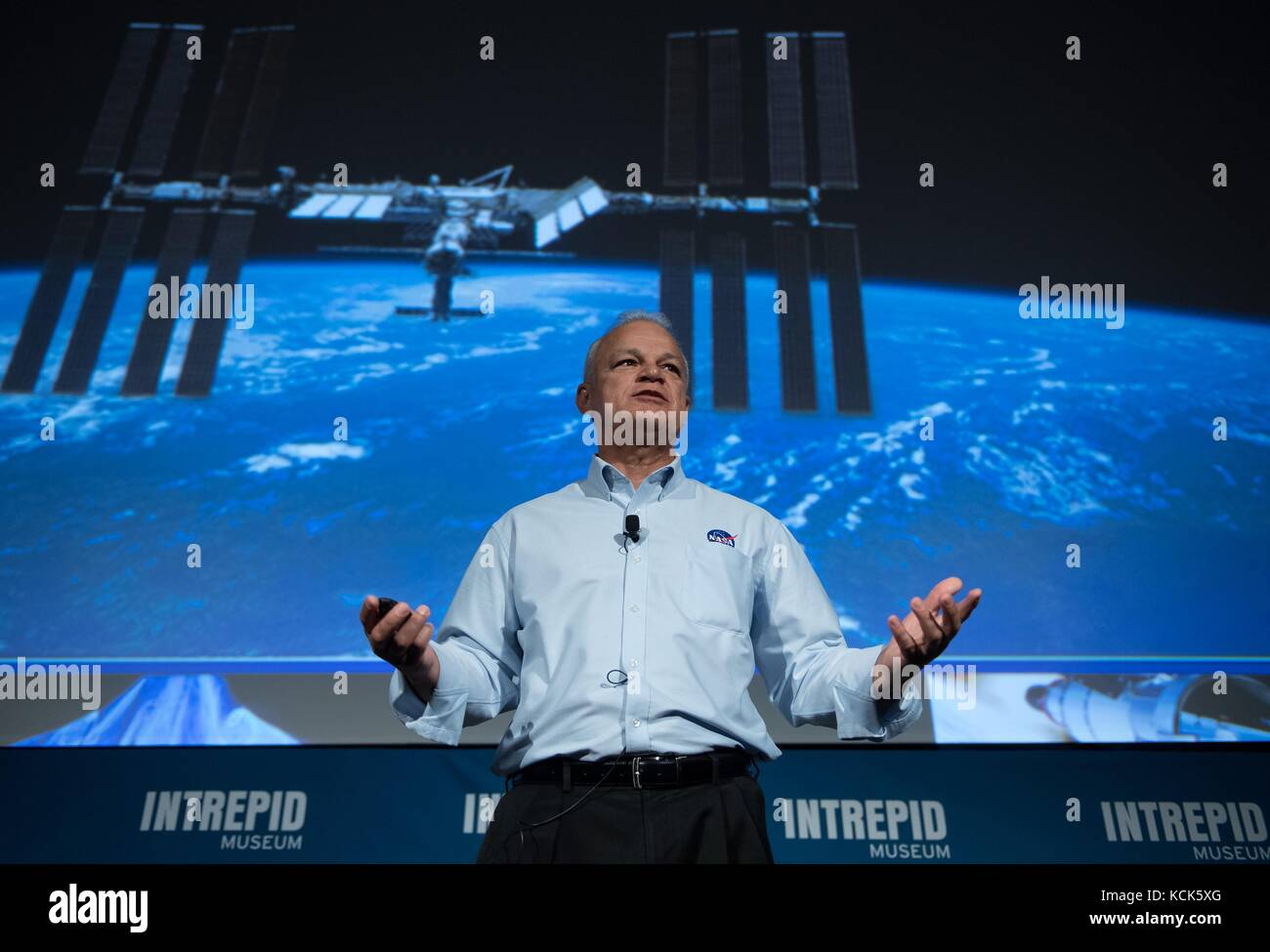 NASA Acting Chief Technologist Douglas Terrier speaks to teachers during an Intrepid Space and Science Festival - Stock Image