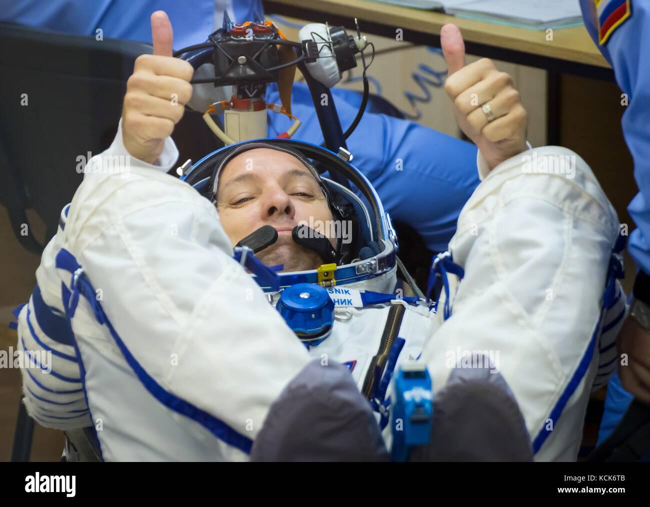 NASA International Space Station Expedition 52 prime crew member American astronaut Randy Bresnik has his Sokol - Stock Image