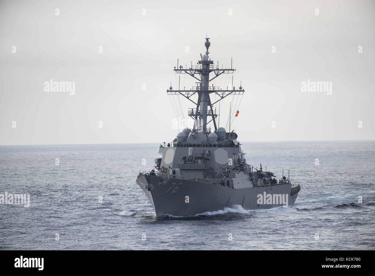 The U.S. Navy Arleigh Burke-class guided-missile destroyer USS Higgins steams underway August 2, 2017 in the Pacific - Stock Image