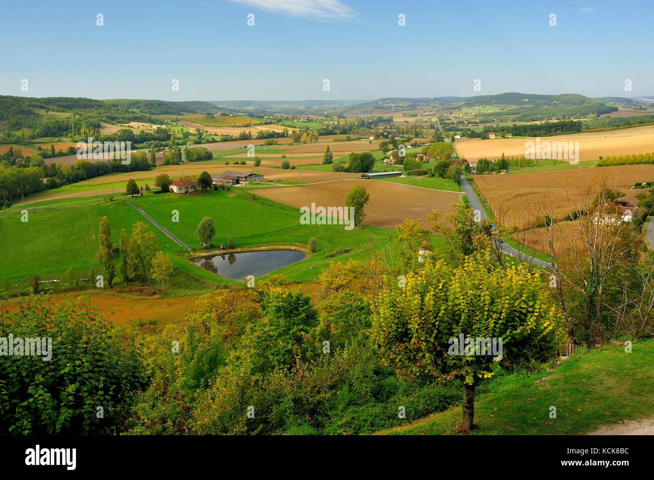 view west along Highway D661 from Tournon d'Agenais, Lot-et-Garonne Department, Aquitaine, France Stock Photo