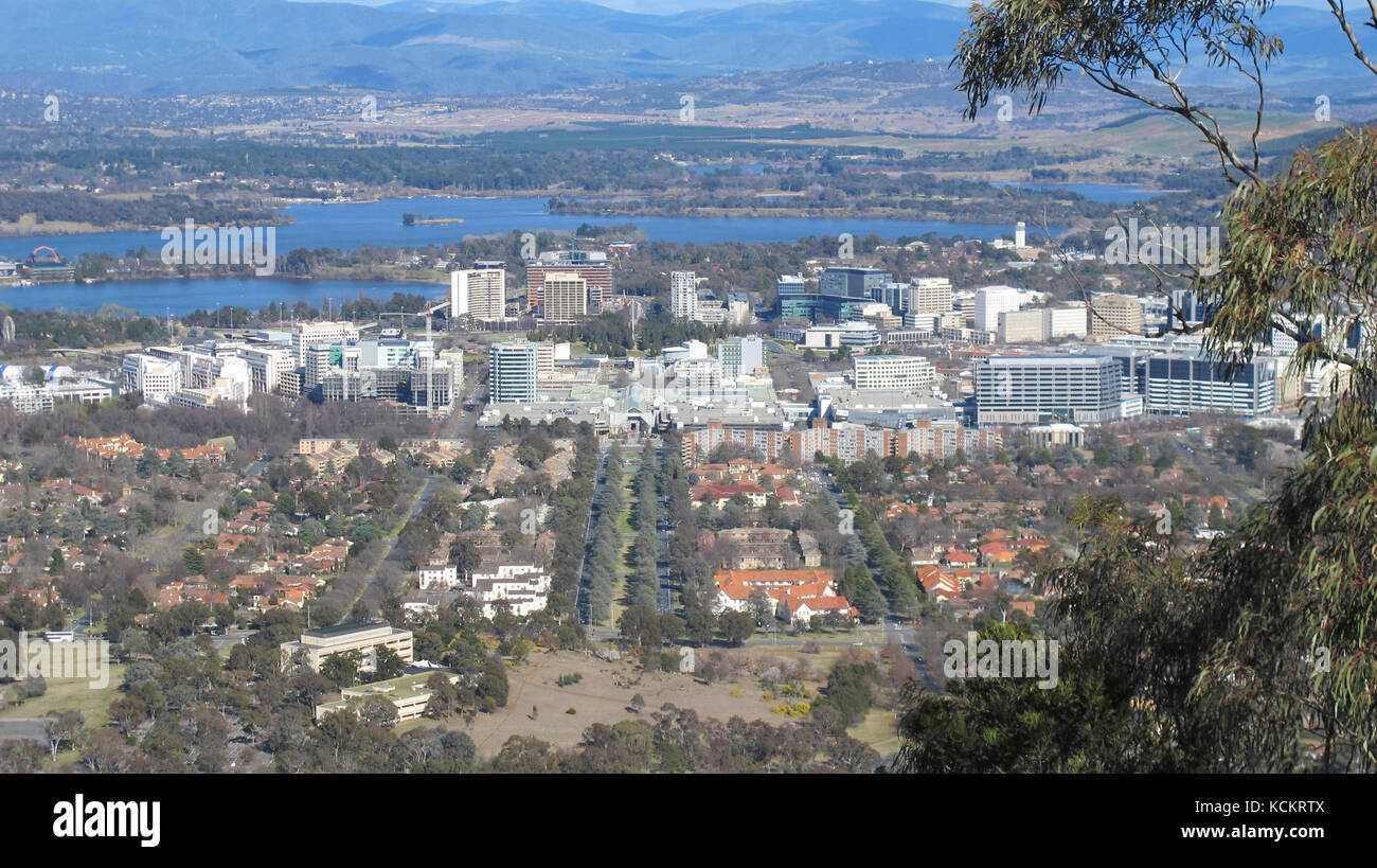 Overview of the city of Canberra, Australia's national capital. View over Civic and the eastern part of Lake Burley - Stock Image