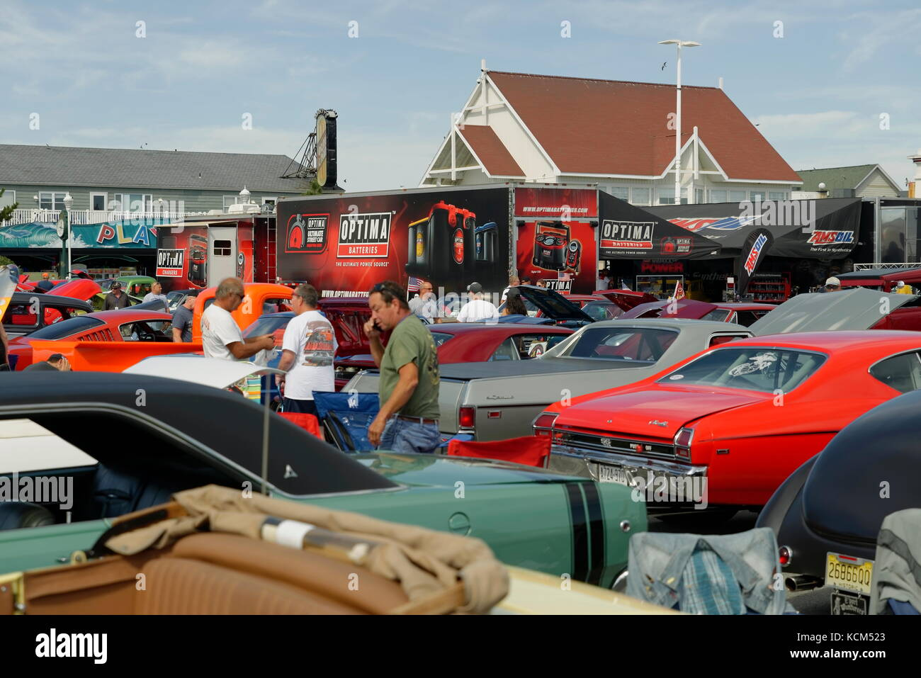 Cruisin Ocean City >> Three Spectators Talk Amid The Cars On Display At The Annual Endless
