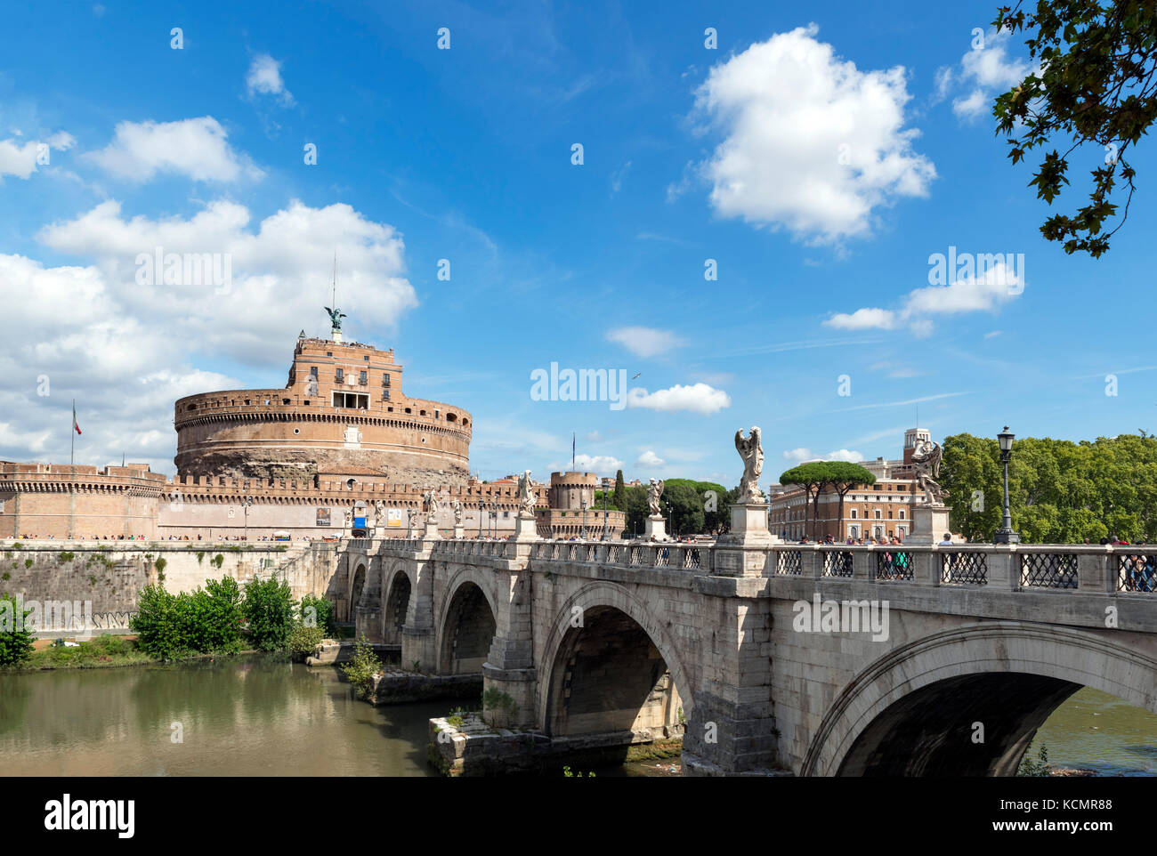 The Castel Sant'Angelo and the Ponte Sant'Angelo over the River Tiber, Rome, Italy - Stock Image