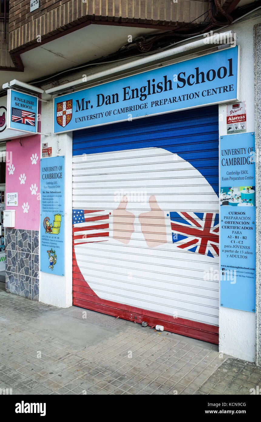 English Language School Valencia Spain - Cambridge University accredited English tuition at the Mr Dan English School - Stock Image