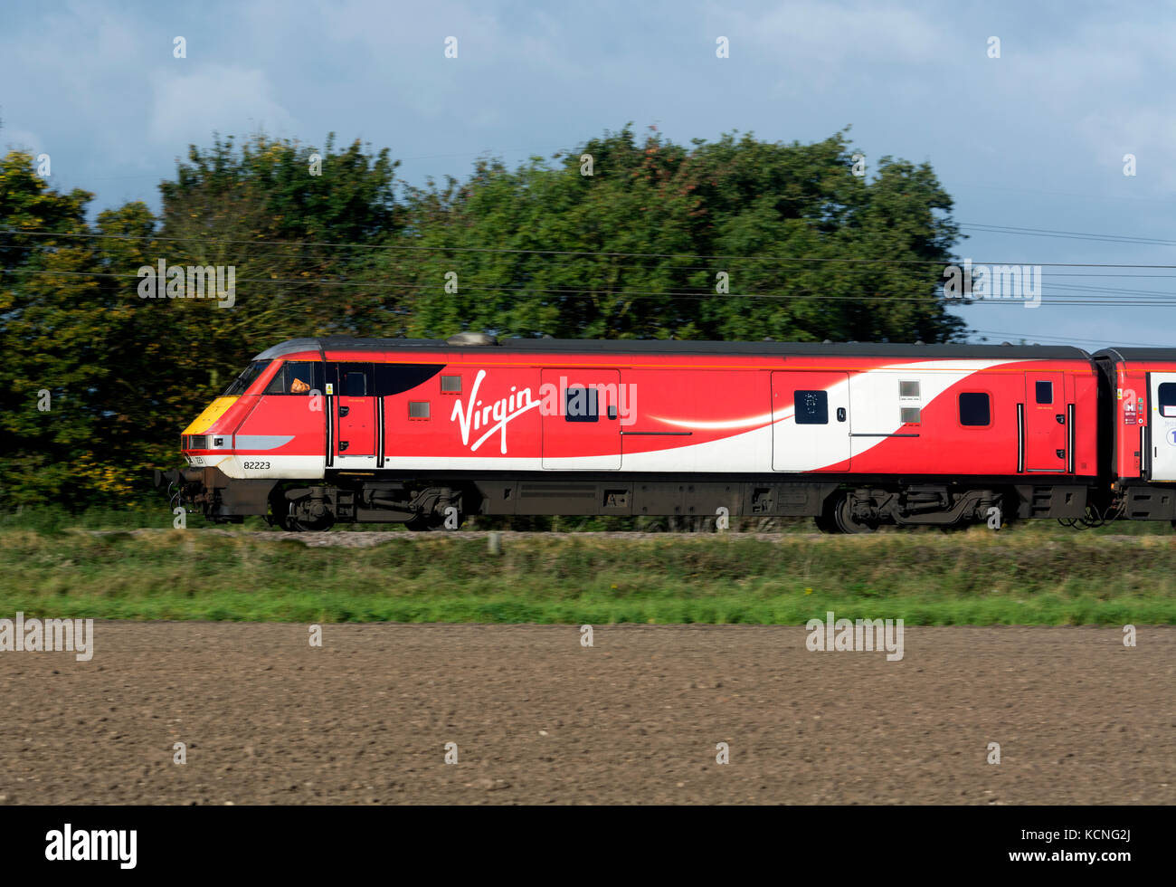 Virgin Trains Livery Stock Photos & Virgin Trains Livery Stock
