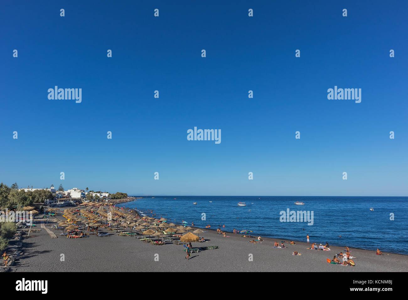 SANTORINI/GREECE 05 SEP - Kamari beach in Santorini, Greece. - Stock Image