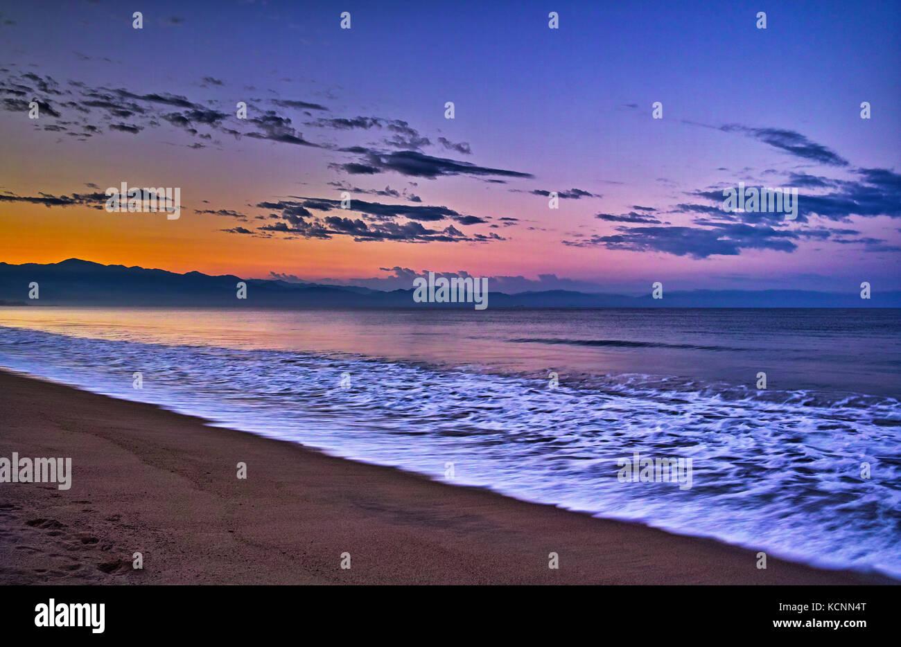 Sun rise, Bay of Banderas, Bucerias, Mexico - Stock Image
