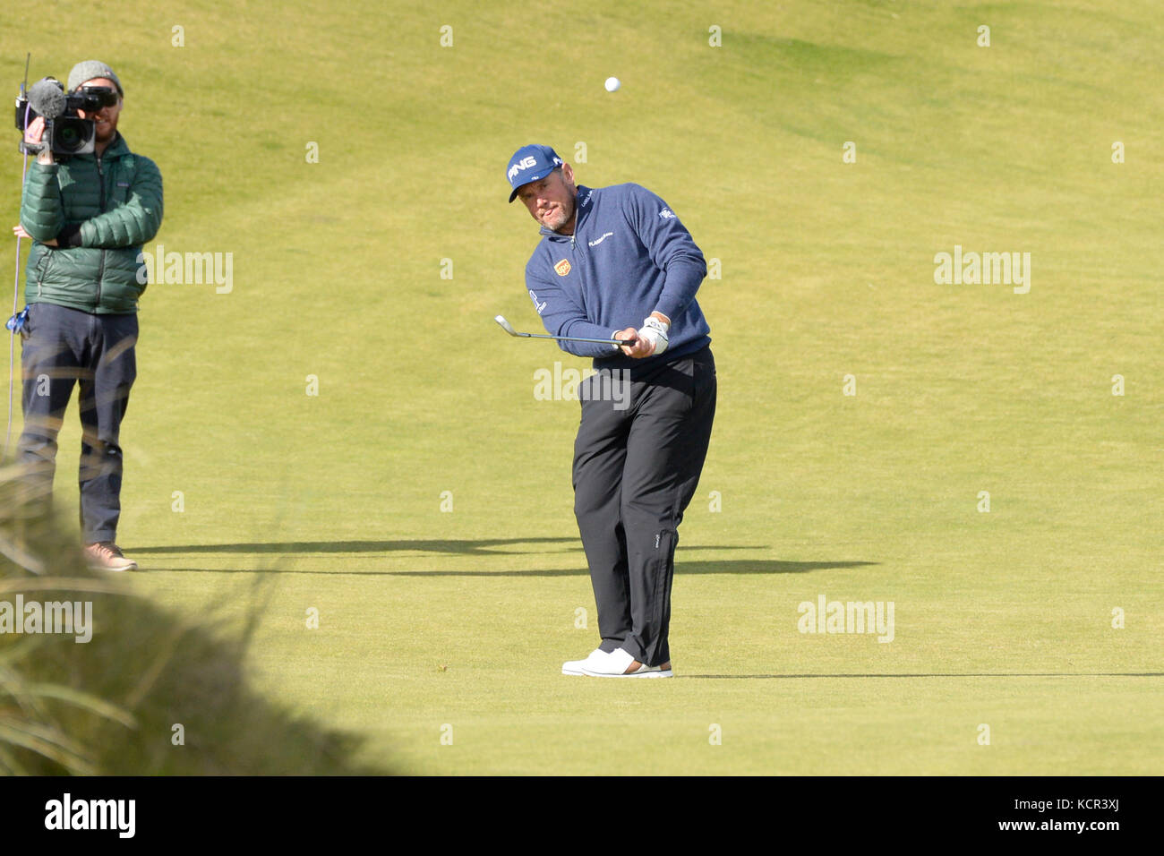 St Andrews, Scotland, United Kingdom. 07th Oct, 2017. Lee Westwood plays an approach shot on the Kingsbarns course - Stock Image