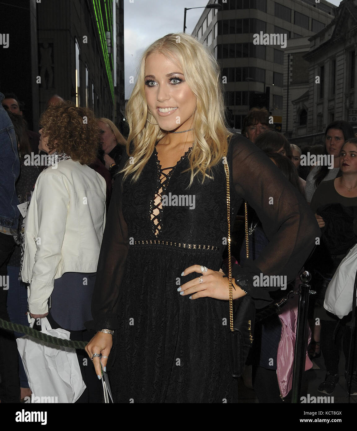 Various celebrities attend Wicked Press Night  Featuring: Amelia Lily Where: London, United Kingdom When: 05 Sep - Stock Image