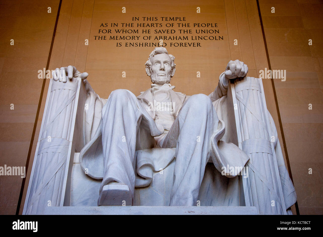 Marble statue of President Abraham Lincoln inside the Lincoln Memorial, Washington, DC, USA - Stock Image
